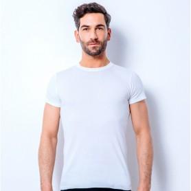 T-shirt manches courtes col rond standard sur mannequin